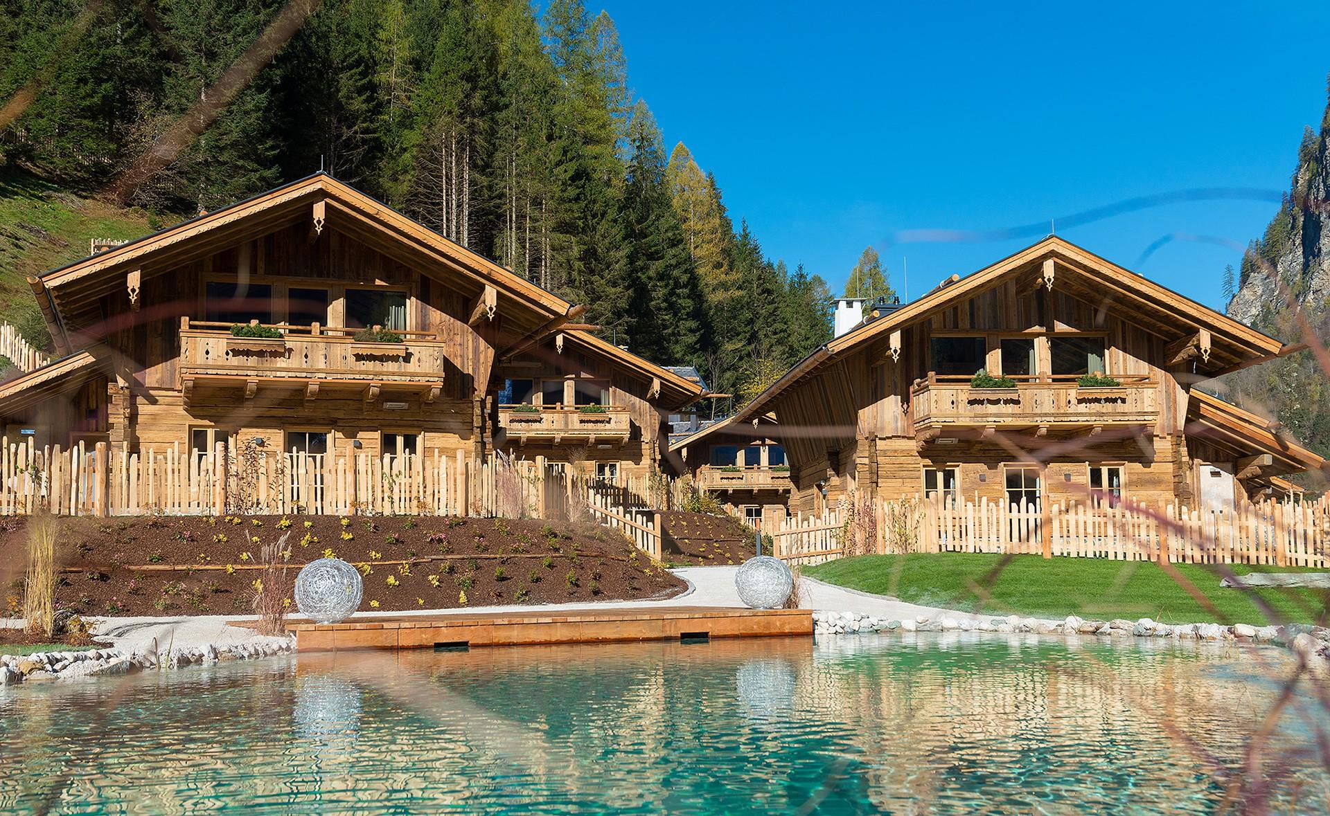 Unsere Luxus-Chalets sind ideal für einen Sommerurlaub mit der Familie in Österreich