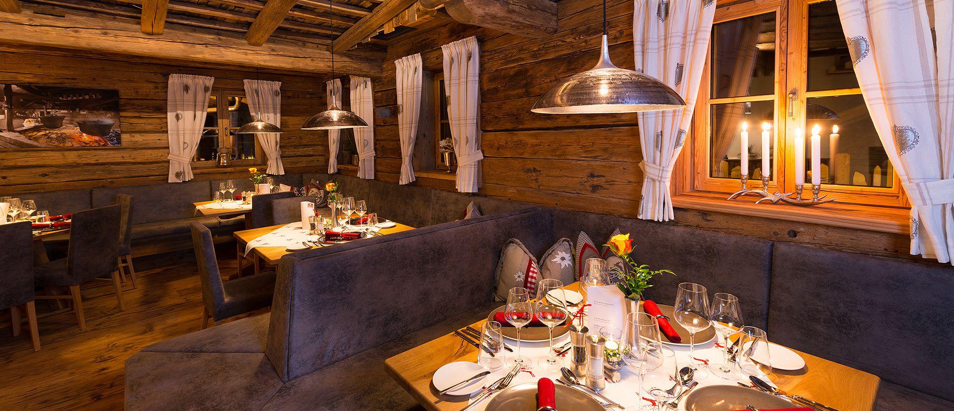 Kulinarische Genussmomente warten auf Sie in unserem Restaurant im Chaletdorf